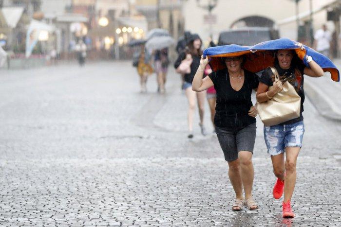 Ilustračný obrázok k článku Na Zvolen sa valí poriadne divoké počasie. Meteorológovia vydali výstrahu
