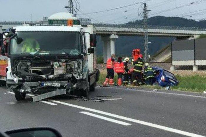 Ilustračný obrázok k článku Vážna nehoda kúsok od Považskej: Žena (26) utrpela ťažké zranenia, FOTO