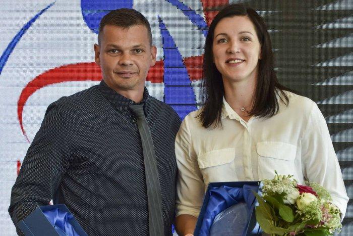 Ilustračný obrázok k článku Slovensko spoznalo hádzanárov roka: Prestížnu cenu získal Antl a Školková
