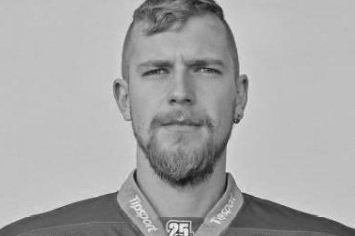 Ilustračný obrázok k článku Smutná správa pre mikulášskych fanúšikov: Zomrel hokejista Erik Nitriansky (†27)