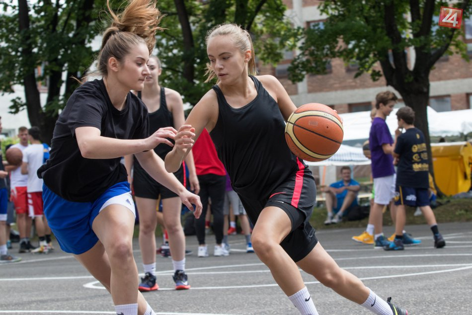 Ilustračný obrázok k článku Streetball prilákal hráčov z celého Slovenska: O medaily bojovalo 45 tímov