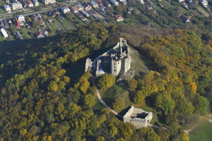 Ilustračný obrázok k článku ROZHOVOR: Takto si môžete návštevu Brekovského hradu spraviť ešte zaujímavejšou