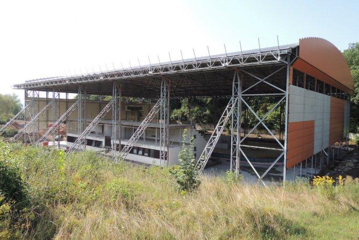 Ilustračný obrázok k článku Rekonštrukcia zimného štadióna: Kedy by mali byť ukončené práce?