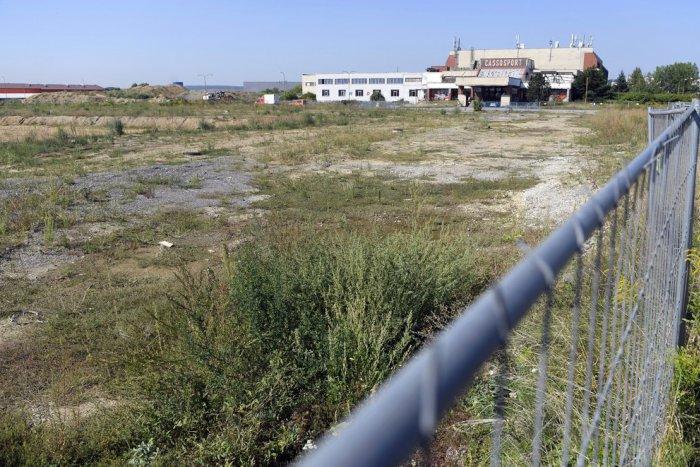 Ilustračný obrázok k článku FOTO + VIDEO: S výstavbou futbalového štadióna sa začne na jeseň