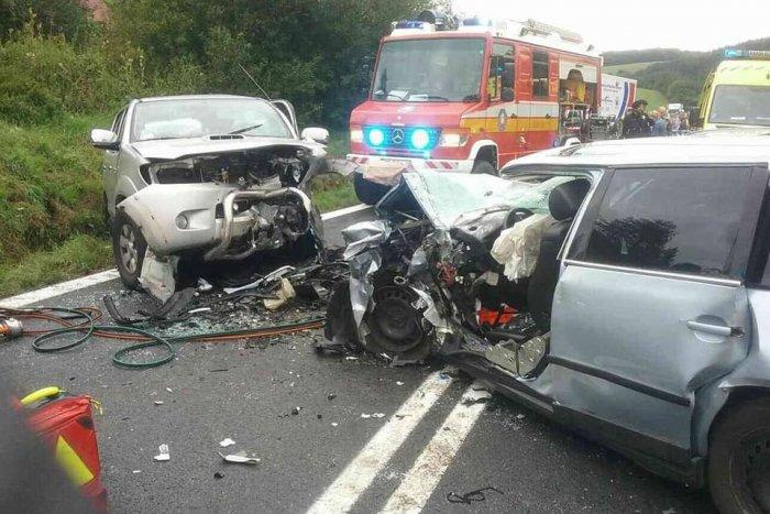 Ilustračný obrázok k článku Nehoda 3 áut neďaleko Revúcej: Záchranári ratujú zranenú osobu