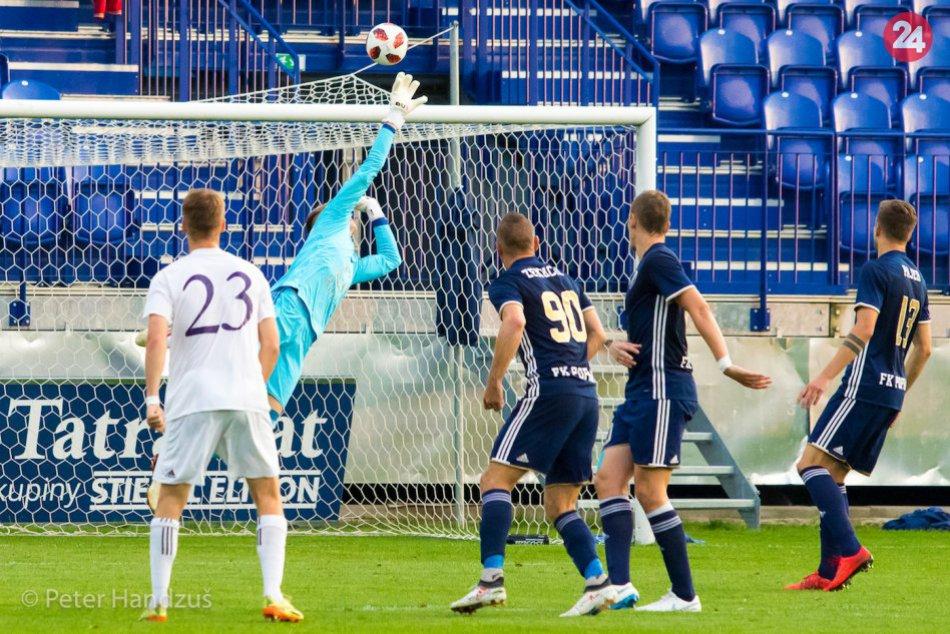 Ilustračný obrázok k článku Boli lepší, ale aj tak prehrali: FK Poprad podľahol doma lídrovi z Komárna