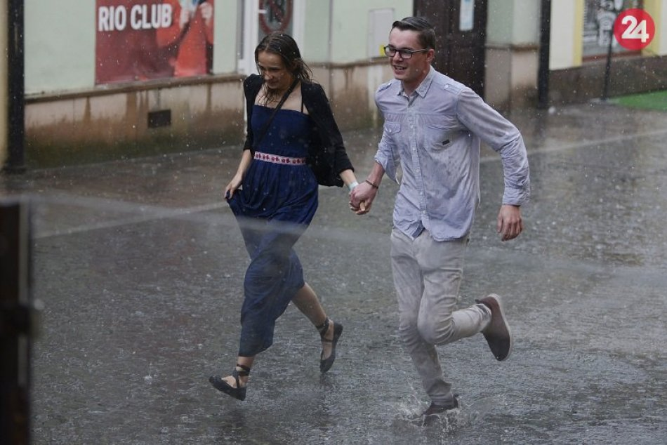 Ilustračný obrázok k článku Ľudia z Ružomberka a okolia, tomuto sa zrejme nevyhneme: Meteorológovia vydali výstrahu