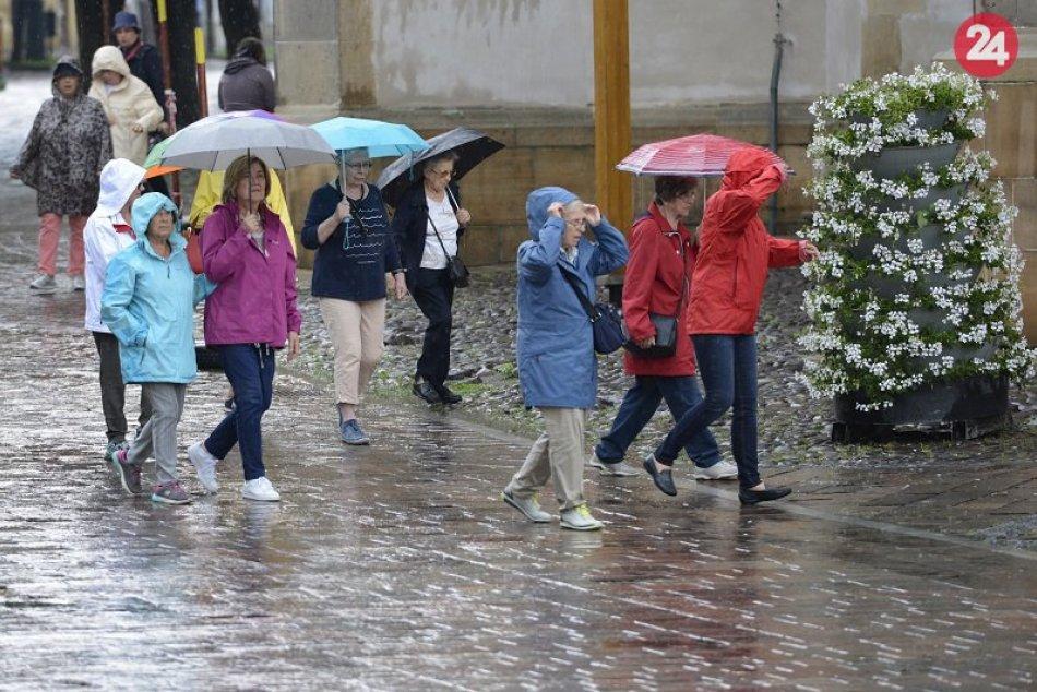 Ilustračný obrázok k článku Po Veľkej noci má prísť zmena počasia: Doraziť k nám môžu aj búrky