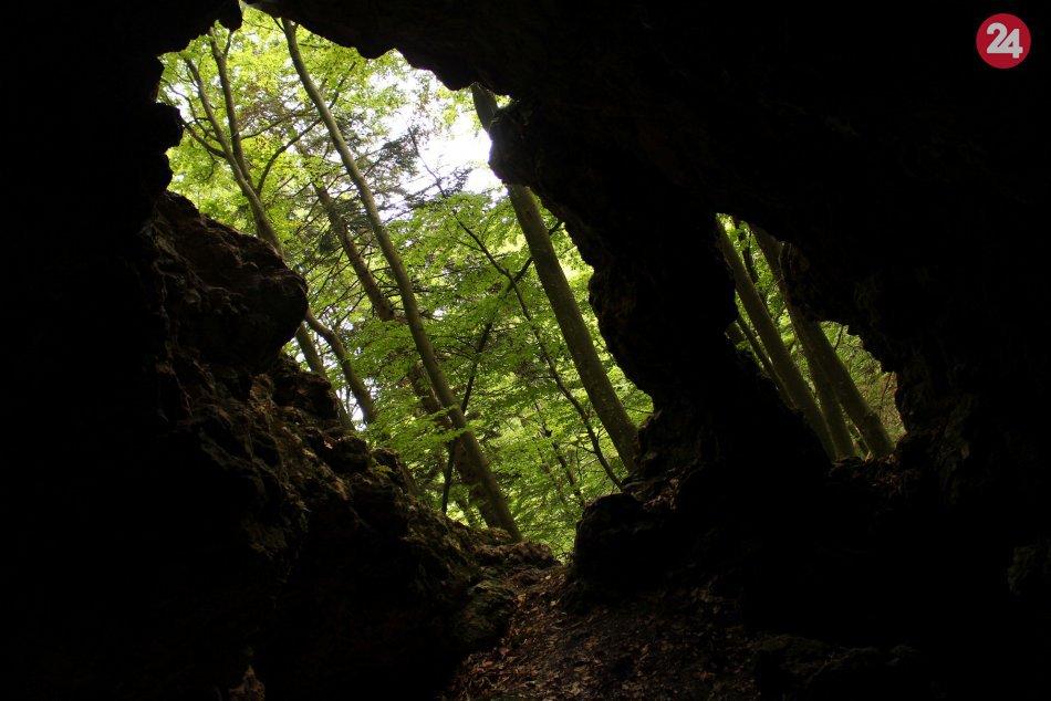 Ilustračný obrázok k článku VIDEO a FOTO: Pri Bystrici máme unikát medzi jaskyňami. Kremenia vás očarí