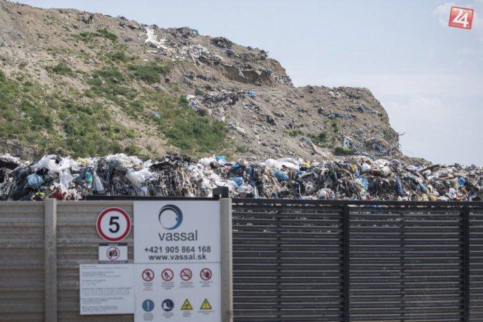 Ilustračný obrázok k článku Vassal EKO odmieta akékoľvek spájanie s nelegálnou skládkou