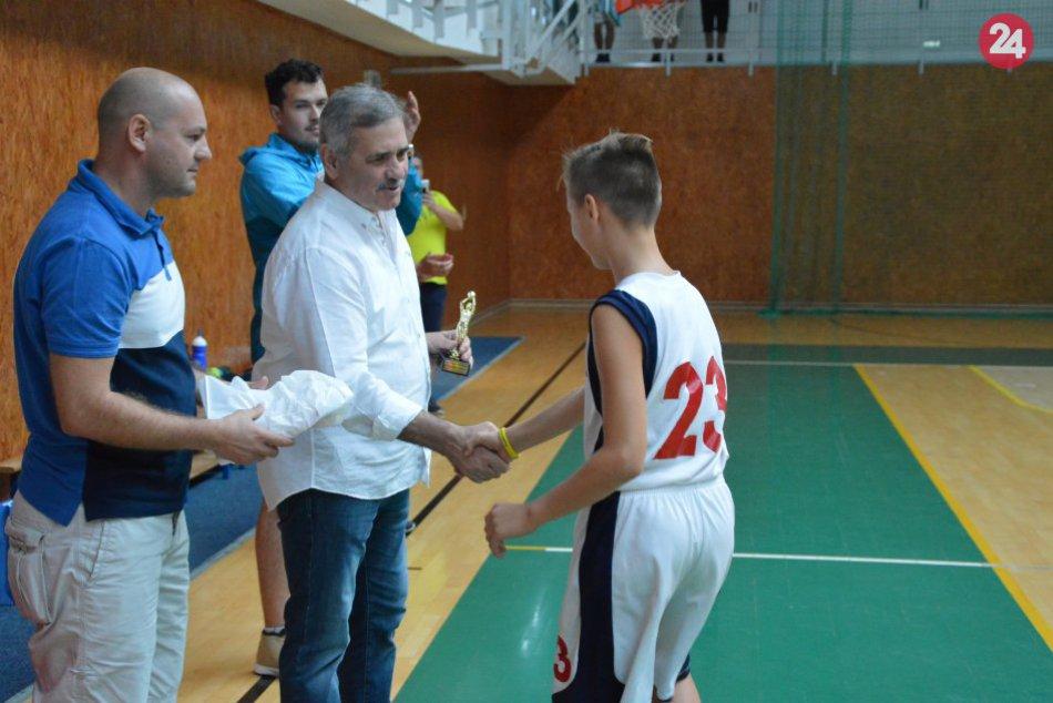 Ilustračný obrázok k článku Pekná športová myšlienka v Michalovciach: Basketbal s deťmi nielen z Užhorodu, FOTO
