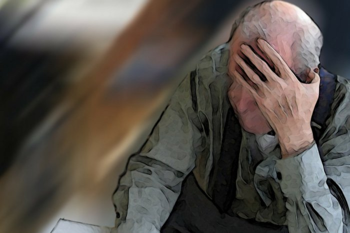 Ilustračný obrázok k článku V Hlohovci okradli bezbranného dôchodcu: Obvinenie má na krku 29-ročný muž