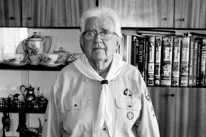 """Ilustračný obrázok k článku Skauti smútia: Vo veku nedožitých 91 rokov zomrel Viliam """"Gándhí"""" Dokupil"""