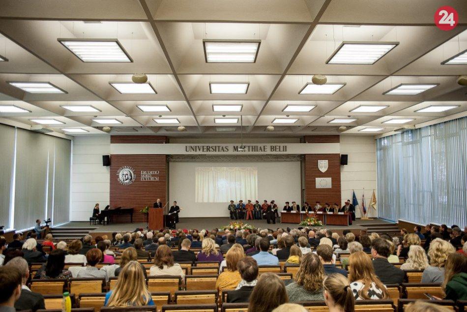 Ilustračný obrázok k článku UMB odmieta novelu vysokoškolského zákona: Pozýva na online diskusiu