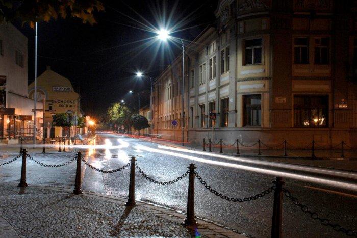 Ilustračný obrázok k článku Mesto plánuje rozšíriť verejné osvetlenie o solárne svietidlá