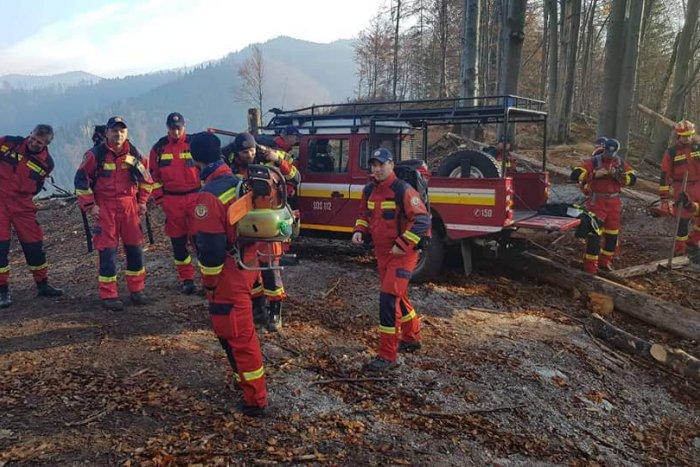 Ilustračný obrázok k článku Pri požiari v Gaderskej doline zasahuje vyše 50 hasičov: Vrtuľníky nevzlietli