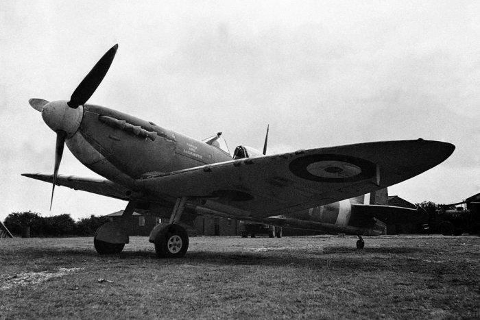 Ilustračný obrázok k článku Niečo pre milovníkov histórie: Fragmenty spadnutých bojových lietadiel v múzeu