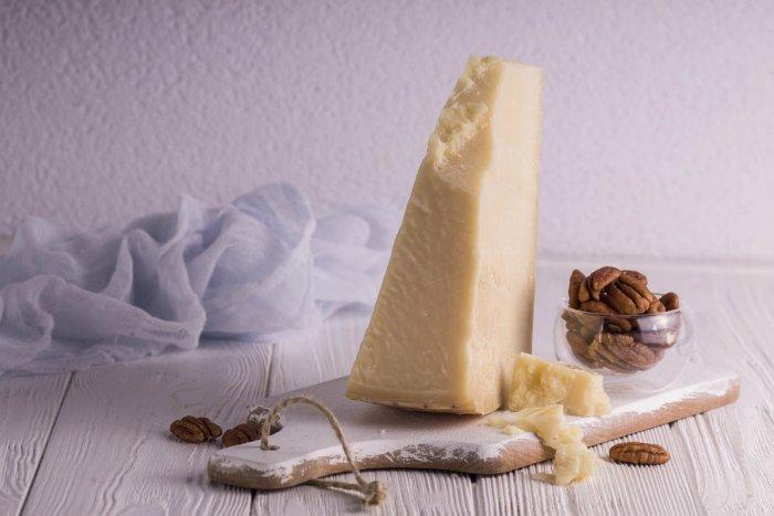 Ilustračný obrázok k článku Zostal vám kúsok parmezánu alebo iný tvrdý syr? Skúste TOTO