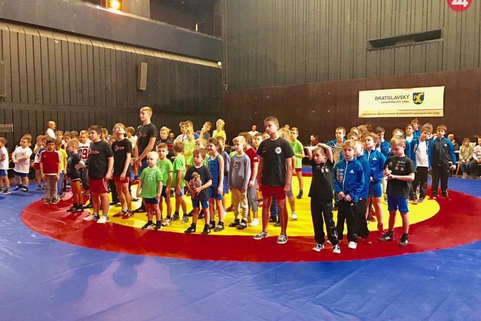 Ilustračný obrázok k článku Mikuláš trochu inak: Mladí zápasníci si zmerajú sily na medzinárodnom turnaji