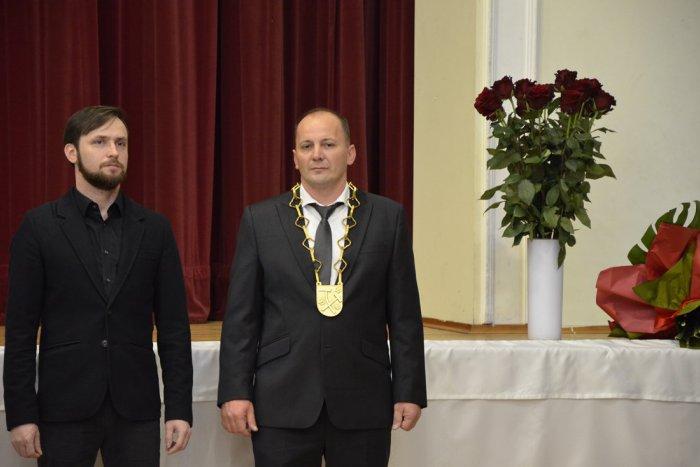Ilustračný obrázok k článku Prvé FOTO a VIDEO: Nový primátor Michal Domik sa ujal funkcie