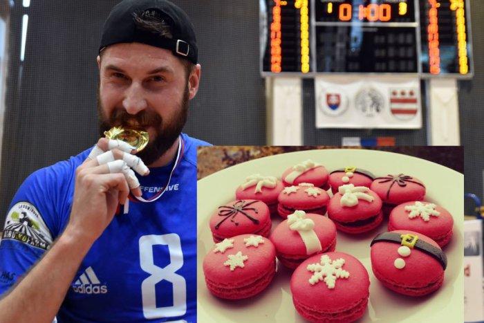 Ilustračný obrázok k článku Tomu neuveríte: Kapitán volejbalistov Nitry pečie dokonalé francúzske pochúťky, FOTO