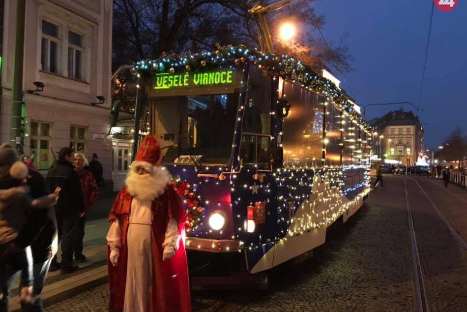 Ilustračný obrázok k článku Vianočná električka opäť ozvláštni bratislavské ulice. Kto ju vyzdobil tentoraz?