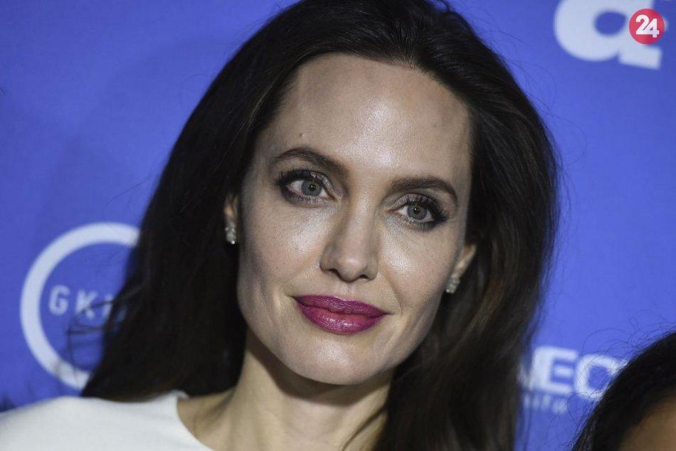Ilustračný obrázok k článku Hlohovec bude slávny: Do mesta príde nakrúcať svetoznáma herečka Angelina Jolie