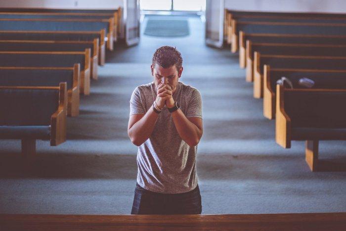 Ilustračný obrázok k článku Hlavný hygienik o návštevách kostolov: Čo odporúča všetkým veriacim?