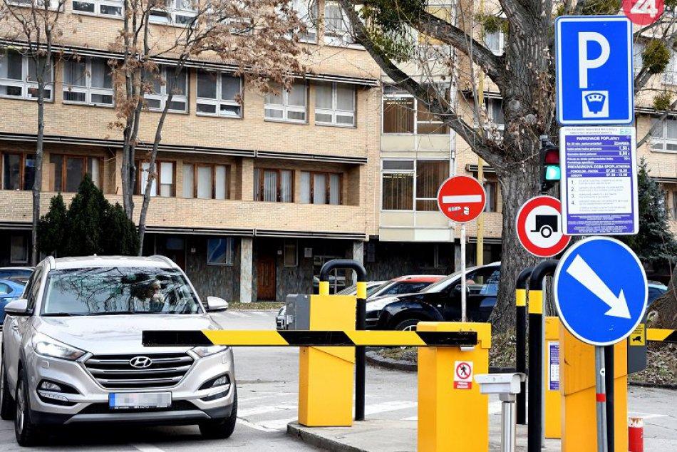 Ilustračný obrázok k článku Kauza mesta a parkovacej firmy EEI pokračuje: Súd stopol exekúciu voči Košiciam