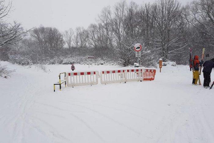 Ilustračný obrázok k článku Mikulášska VPS nasadila do terénu všetku techniku: Cestu na Háj uzavreli!