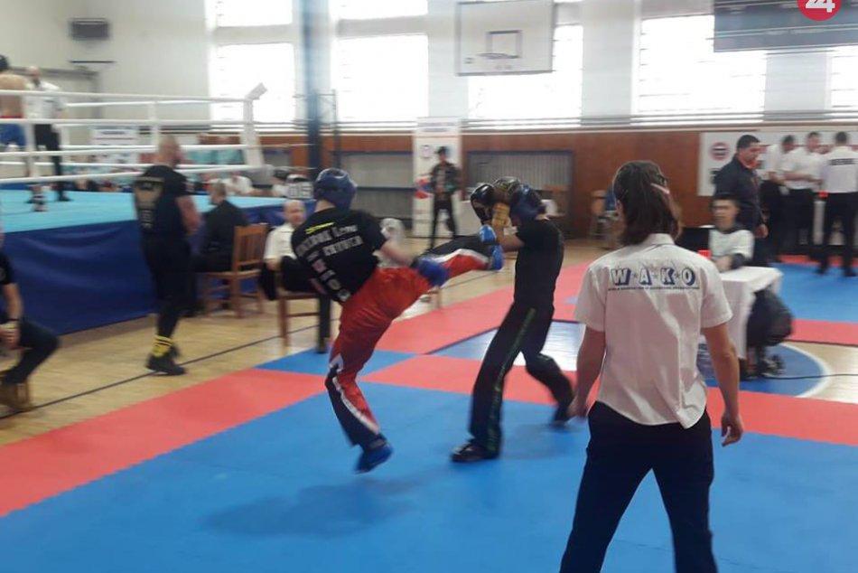 Ilustračný obrázok k článku FOTO: Revúcki kickboxeri predviedli svoje kvality. Žali medaily a uspeli aj ako klub