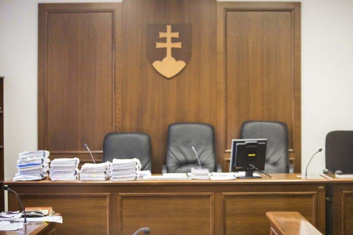 Ilustračný obrázok k článku Prídu Topoľčany o okresný súd? Krajskí poslanci vyjadrili svoj nesúhlas