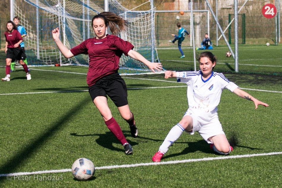 Ilustračný obrázok k článku Boj o čelo tabuľky pokračuje: Ženy FK Poprad uhrali v derby len bezgólovú remízu