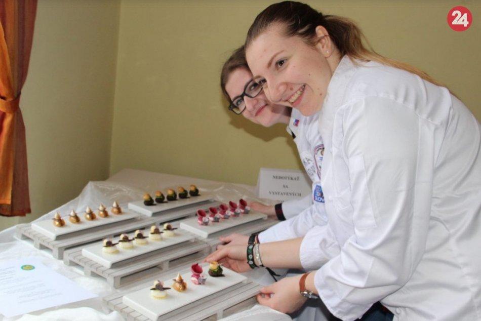 Ilustračný obrázok k článku Veronika a Karin z okresu Považská cukrárkami roka: Pozrite chutné diela na FOTO