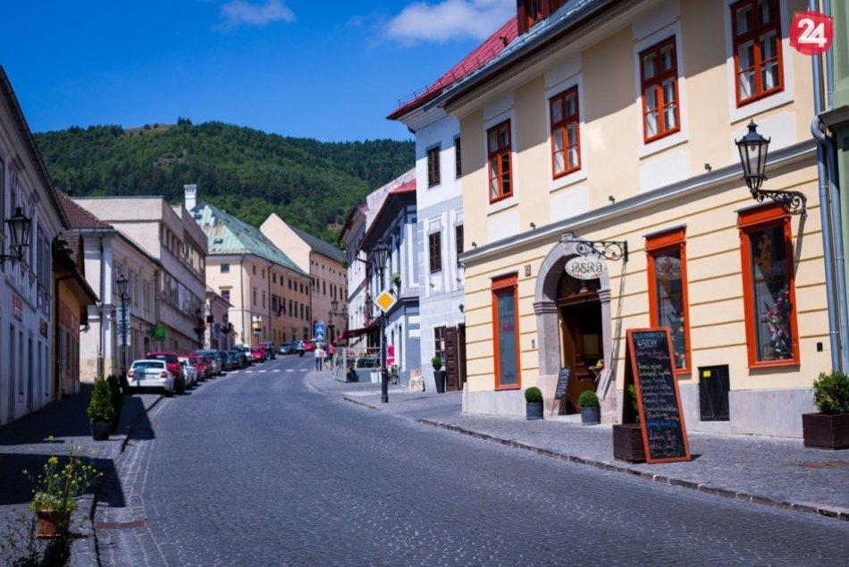 Ilustračný obrázok k článku Žiar stále oranžový, Štiavnicu čaká zmena: Ako vyzerá nová COVID mapa regiónu?
