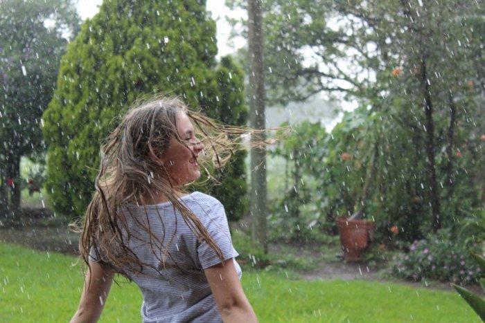 Ilustračný obrázok k článku Počasie nás schladí: Meteorológovia sľubujú búrky, mieria aj k Žiline