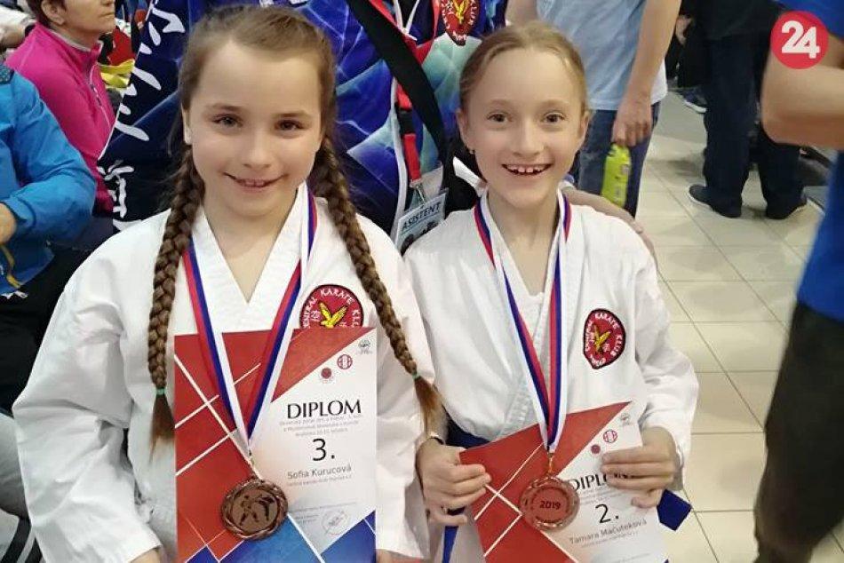 Ilustračný obrázok k článku Posledné kolo Slovenského pohára v karate: Centralisti z Popradu si vybojovali 11 medailí