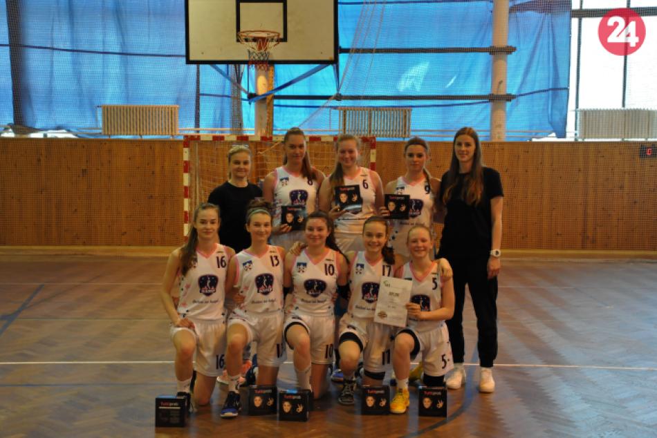 Ilustračný obrázok k článku 150 tímov z celej Európy na basketbalovom turnaji: V Ostrave sa Popradčankám darilo
