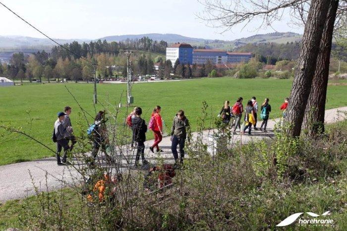 Ilustračný obrázok k článku Upracme si Brezno: Jarná Gruntovačka na Horehroní vyčistí prírodu okolo nás, FOTO