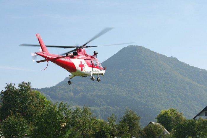 Ilustračný obrázok k článku Dráma na Gýmeši: Z okna hradu vypadol muž, ratoval ho záchranársky vrtuľník