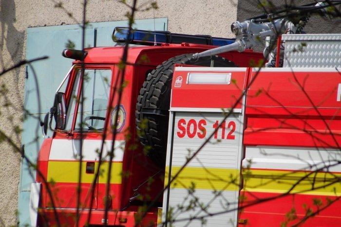 Ilustračný obrázok k článku Požiar bytu v Závadke: Záchranári ratovali zranenú ženu