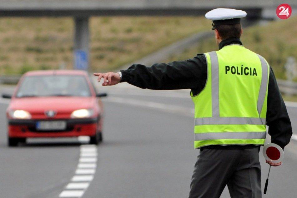 Ilustračný obrázok k článku Bez dokladov a pod parou! Vodič vytriezvel v policajnej cele