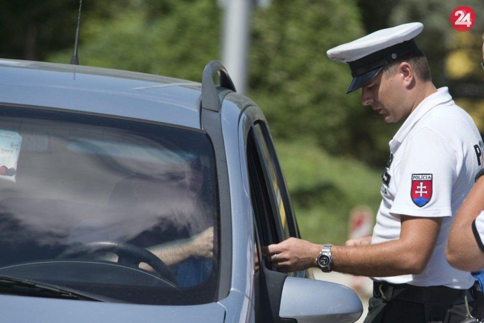 Ilustračný obrázok k článku Opitých vodičov je na cestách čoraz viac! Pribudne aj viac policajných hliadok?