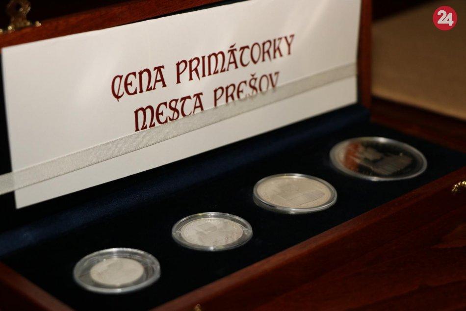 Ilustračný obrázok k článku Zastupiteľstvo v Prešove púta pozornosť: O oceneniach sa nehlasovalo, zistilo sa porušenie