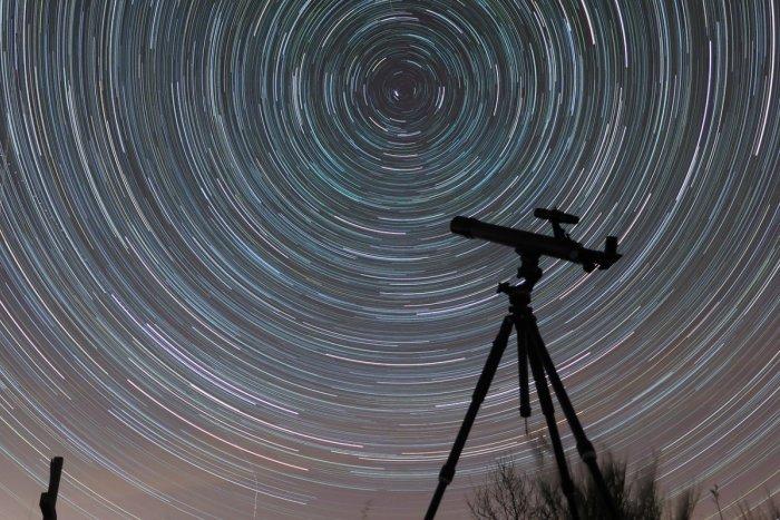 Ilustračný obrázok k článku Užite si pozorovanie nočnej oblohy: Do Moraviec prichádza Večer s astronómiou