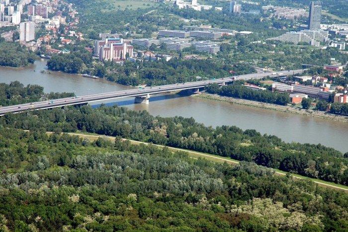 Ilustračný obrázok k článku Zmena po dlhých rokoch: Most Lanfranconi konečne nemá SKOMOLENÝ názov