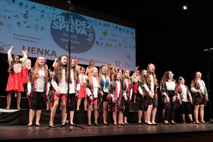 Ilustračný obrázok k článku Poznáte humenské Lienky? Detský spevácky zbor zahviezdil na prestížnej súťaži!
