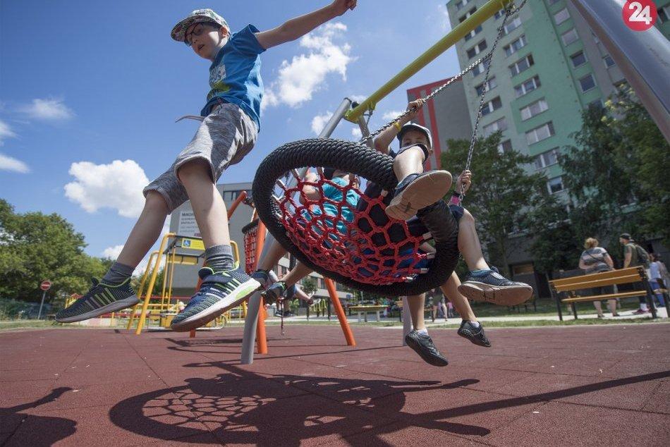 Ilustračný obrázok k článku Žilina detské ihriská neotvára: Radnica vysvetľuje, prečo
