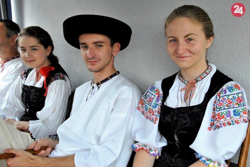 Ilustračný obrázok k článku Považská sa môže zabávať rýchlo aj zbesilo: V Papradne bude folklórny festival