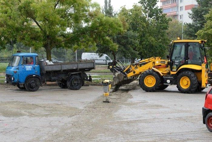 Ilustračný obrázok k článku Do konca leta v meste pribudne takmer 40 nových parkovacích miest